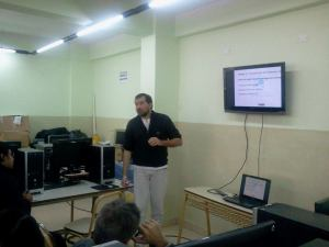 Javier Obregón de GNU/ETERTICs en Taller de Software Libre en Jujuy